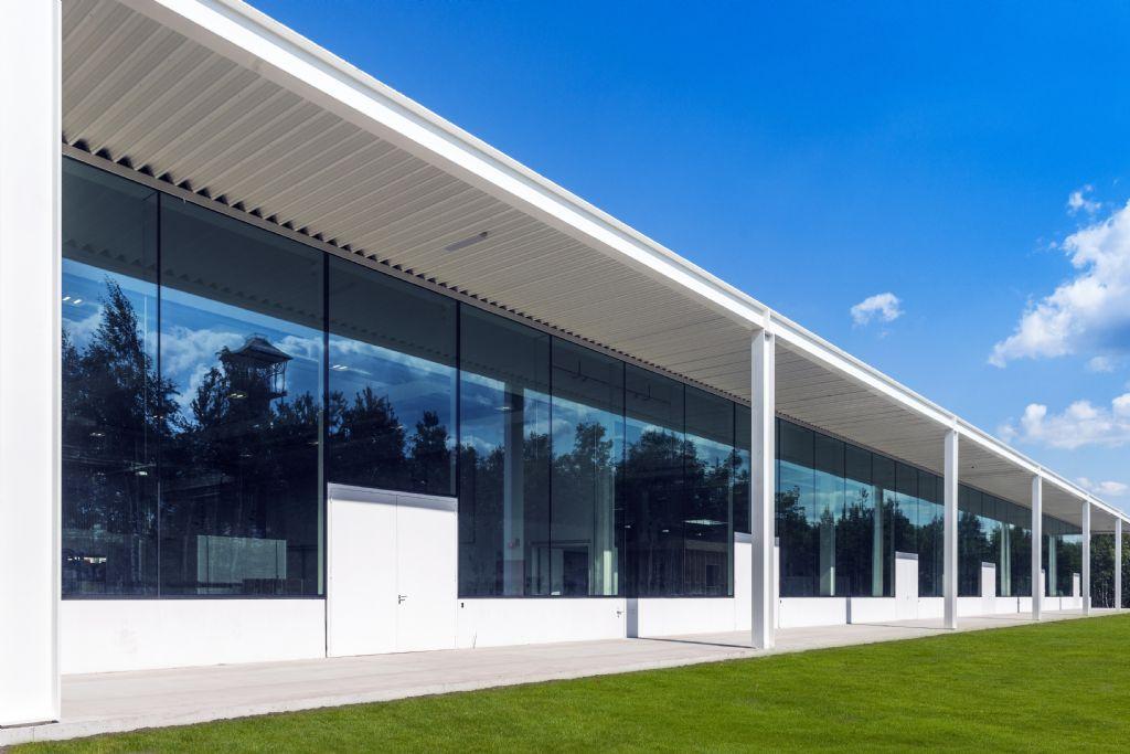 De T2-campus is zeer transparant opgevat en bestaat integraal uit staal, beton en glas.