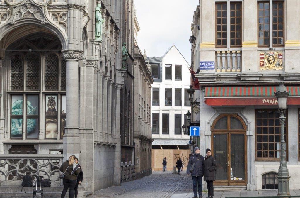 Op 100 meter van de Brusselse Grote Markt blaast het Îlot Sacré-project een van de laatste braakliggende terreinen in het historisch centrum nieuw leven in.
