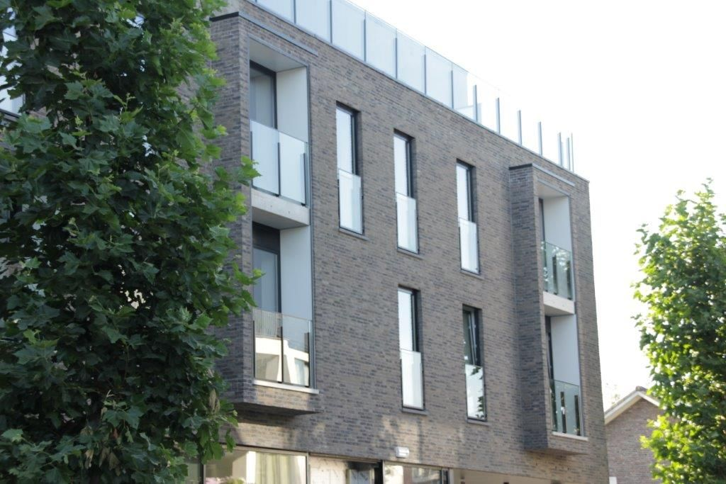 Waar een serviceflat vaak niet meer dan 45 vierkante meter groot is, telt het kleinste appartement in De Mispelaer 65 vierkante meter. De grootste flat meet zelfs 135 vierkante meter.