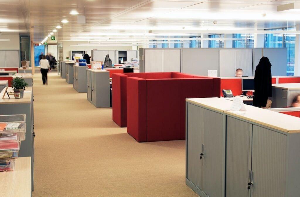 L'importance d'une bonne acoustique dans les bureaux