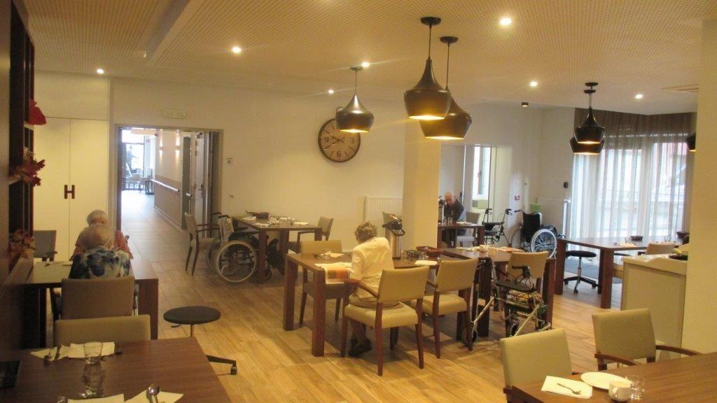 Gastvrijheid is een centraal thema bij Foyer de Lork. De hotelstructuur en de ruimtelijkheid van Oosterzonne maken dit helemaal mogelijk.