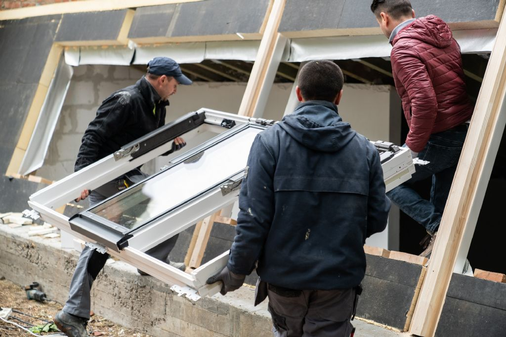 La fenêtre de toit STUDIO : davantage de lumière sous les toits inclinés
