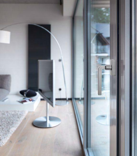 Poignées sans embase FSB pour portes et fenêtres : minimalistes et primées