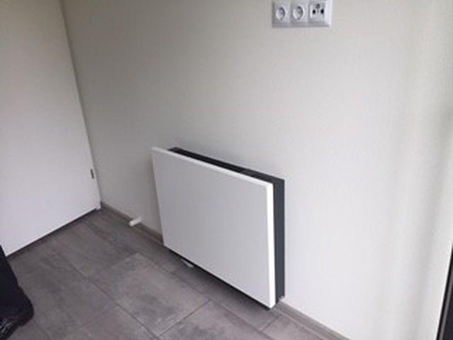 Een Niva ventilo-convector op een van de slaapkamers.