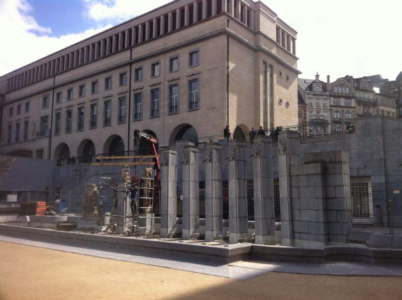 Regie der Gebouwen renoveert de grote fontein op de Kunstberg in Brussel