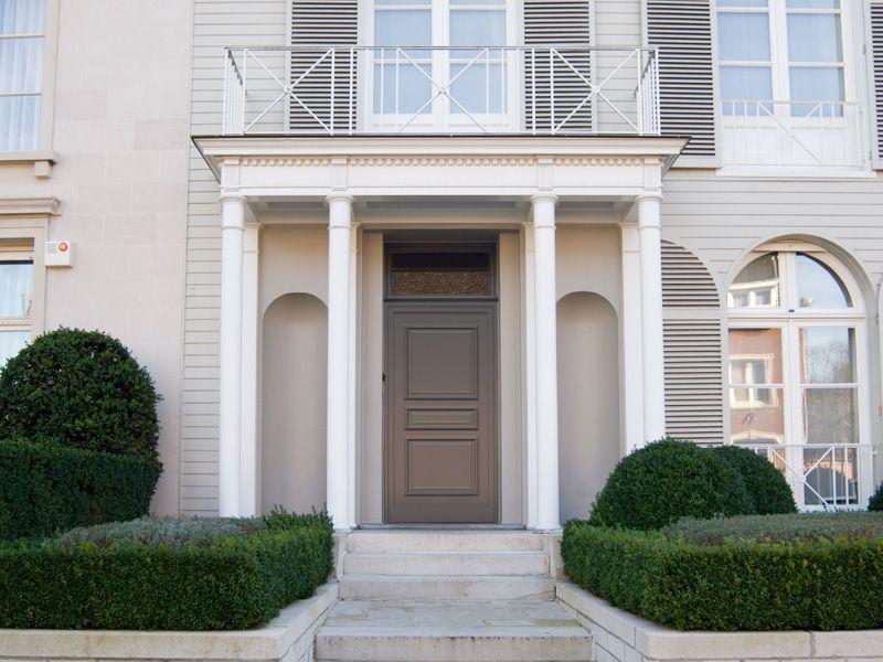 Een aluminium of kunststof deur past in elke bouwstijl