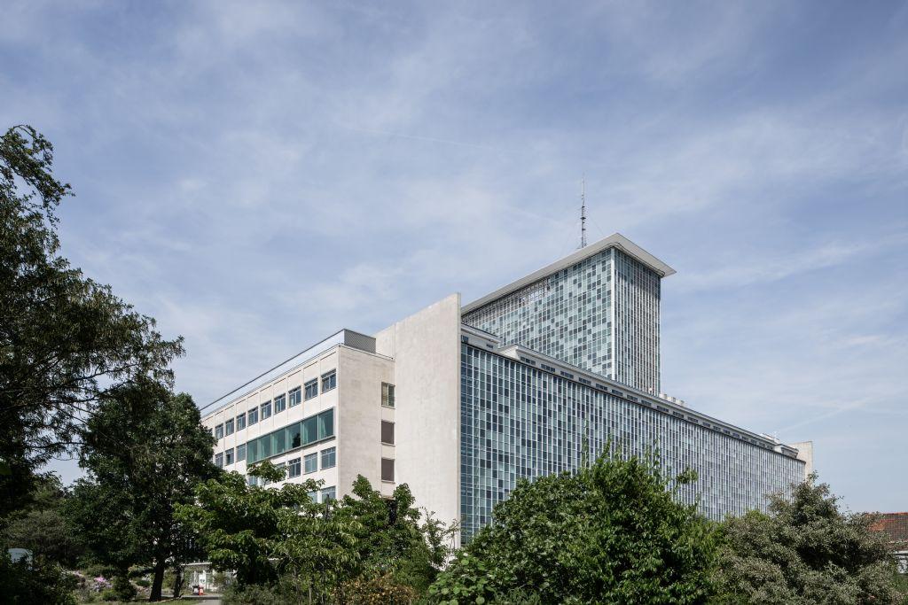 Indrukwekkende renovatie voor Gentse universiteitscampus Ledeganck (Abscis Architecten)