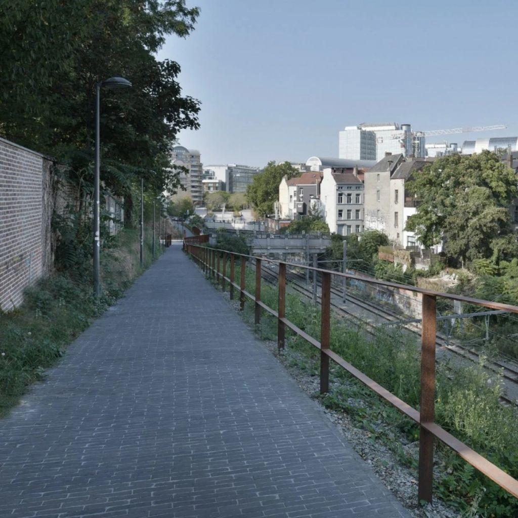 Groene verbinding voor fietsers en voetgangers tussen het Flagey- en het Jourdanplein.