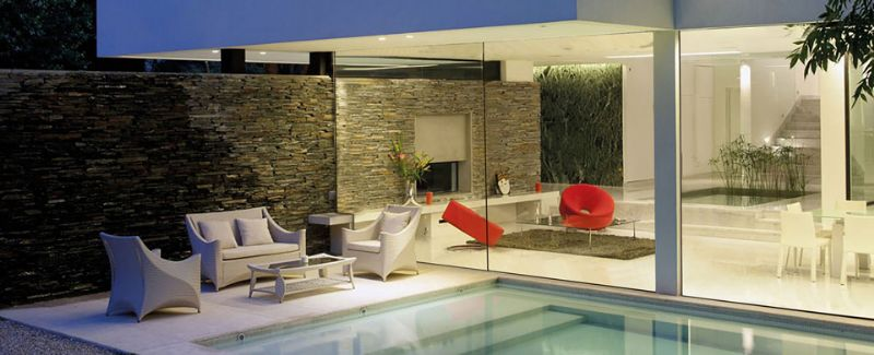 """""""Mensen die een beperkte oppervlakte hebben kunnen van de ramen gebruik maken om hun binnenhuisoppervlakte te vergroten,"""" aldus Ringo Cruysberghs."""