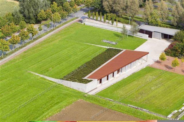 De assen van Secchi zullen verstrooid worden op begraafplaats Hoog-Kortrijk die hij zelf ontworpen heeft.