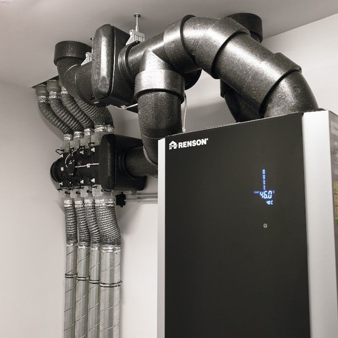het E+-systeem van Renson combineert vraaggestuurde ventilatie met warmteterugwinning voor sanitair warm water en vloerverwarming.