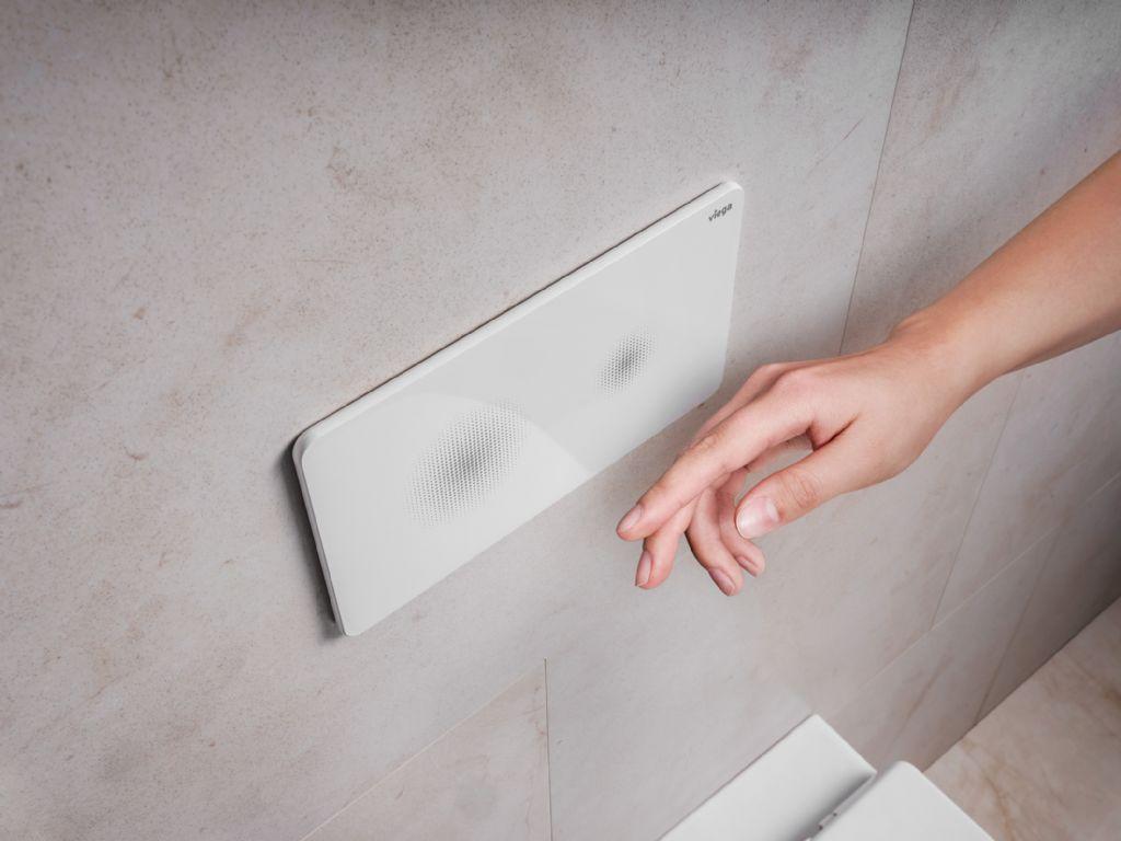 Een hygiënisch toilet: de Viega-bedieningsplaat reageert zonder aanraking