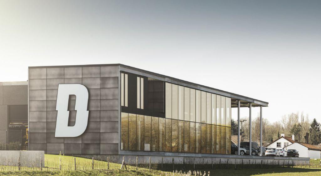 Une façade moderne à l'aspect zinc
