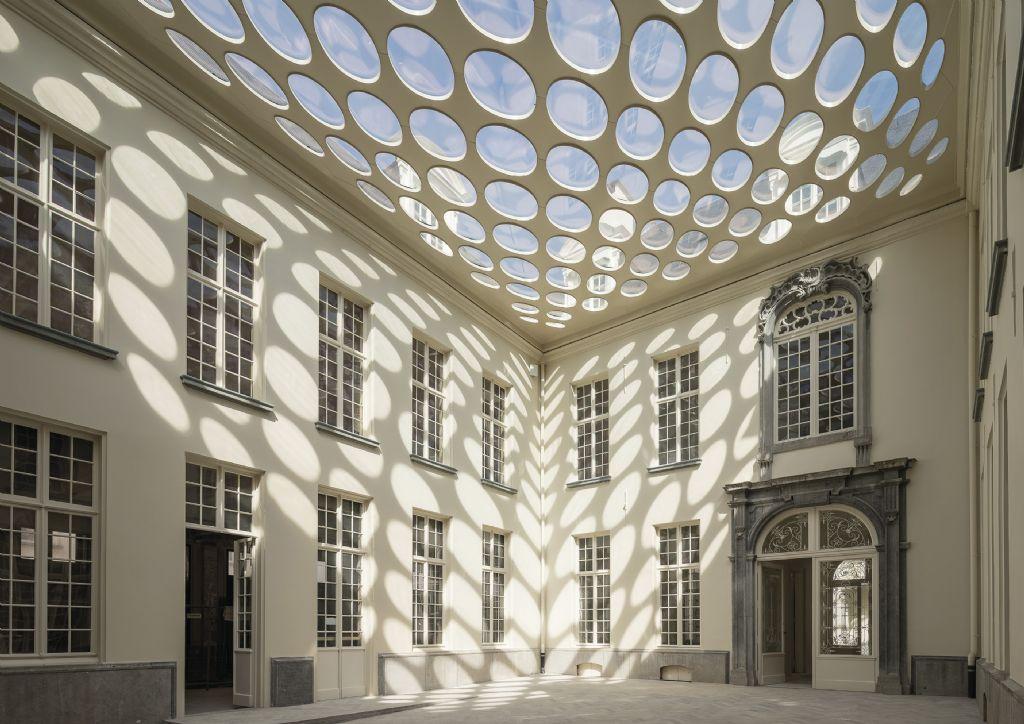 Twee koepels in het Osterriethhuis, Antwerpen