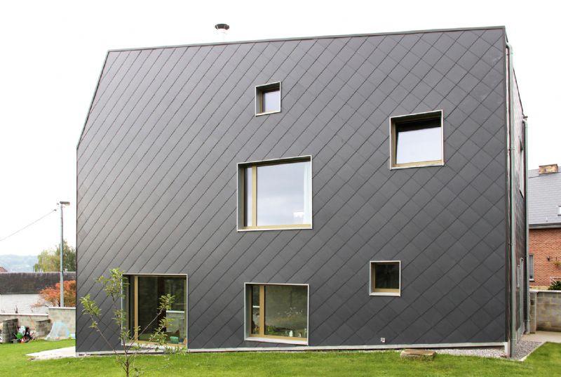 Architectenbureau And'Rol gebruikt Eternit leien voor The Wall House