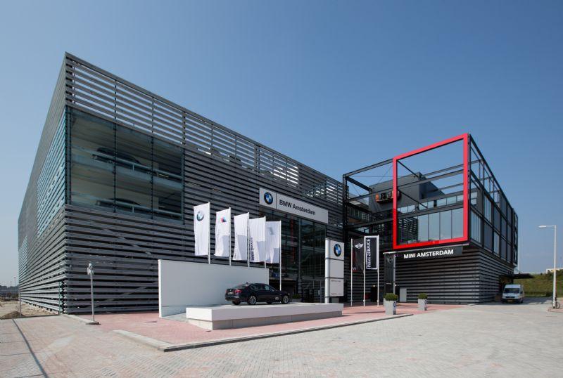 De nieuwbouw voor BMW Mini in Amsterdam is een van de vijf genomineerde projecten in de categorie 'Utiliteitsbouw'