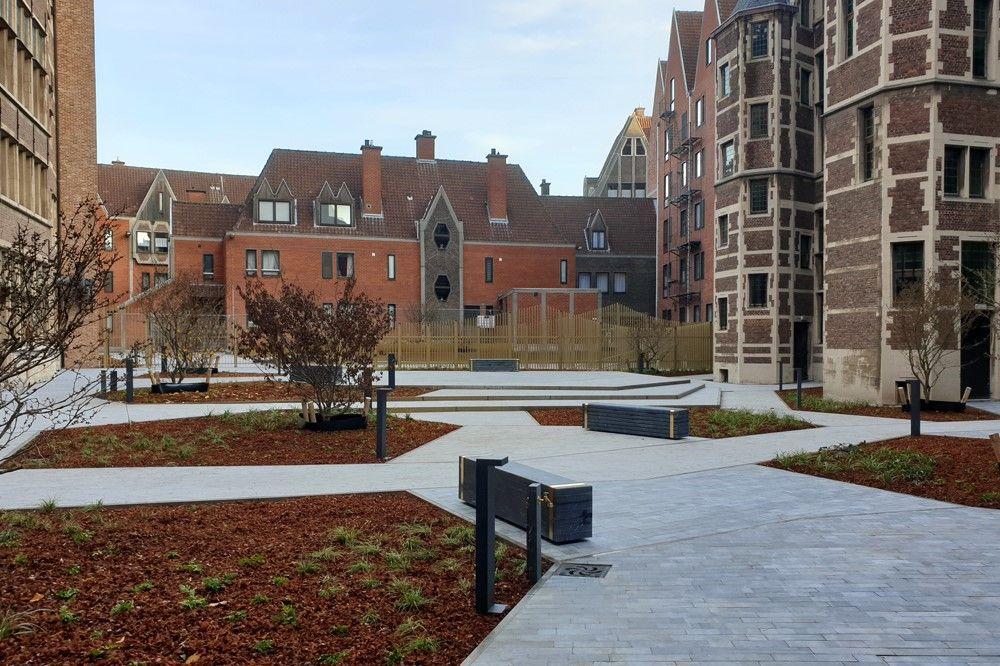 Stramien en BAS bvba toveren binnentuin Antwerps stadhuis om tot 'Jardin Doré'