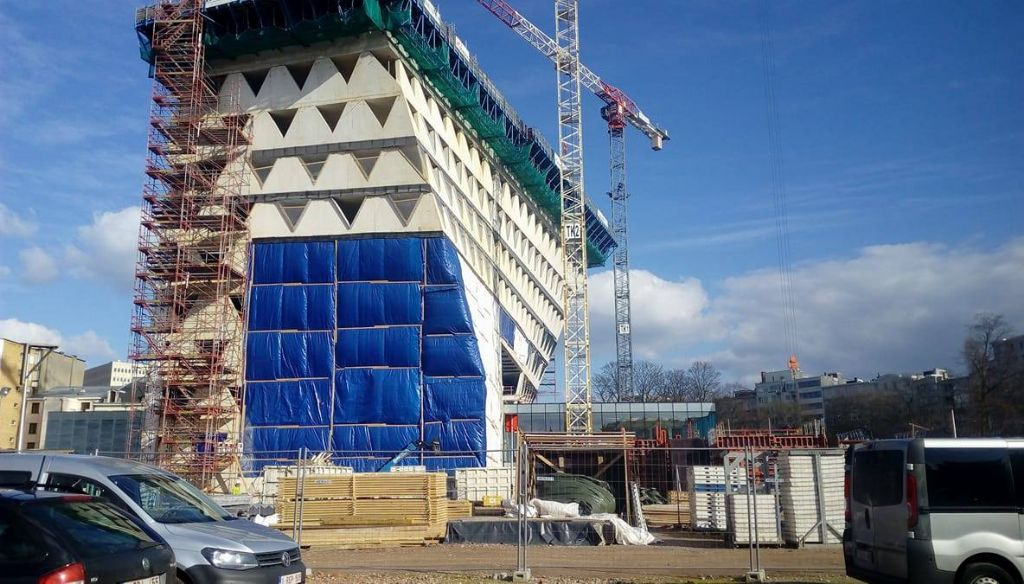 Het gebouw groeit zienderogen en wordt begin 2018 opgeleverd.