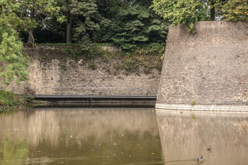 Het fort werd in de 17de eeuw gebouwd voor de verdediging van de stad.