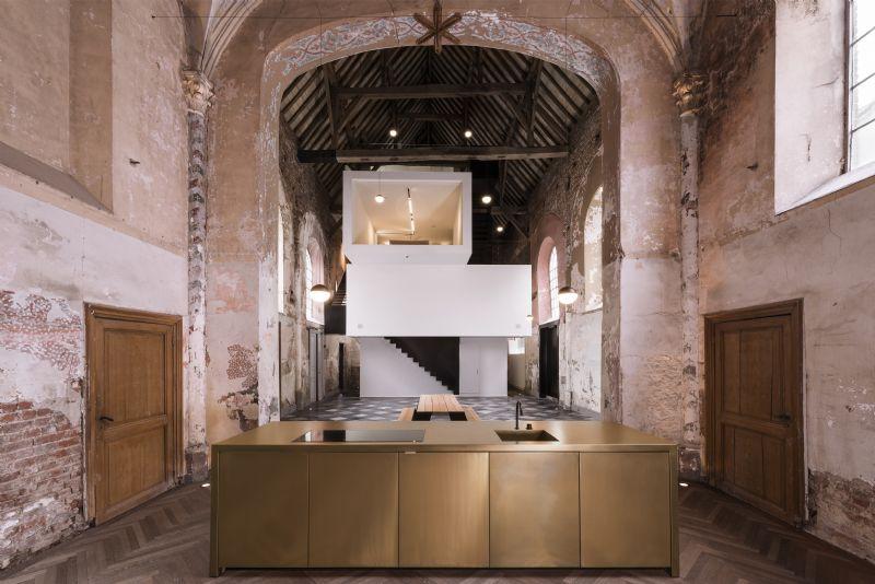 Klaarchitectuur bouwt 16e eeuwse kapel om tot nieuwe uitvalsbasis