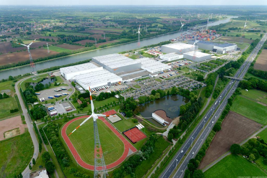 Het nieuwe complex van NIKE in Laakdal ligt tussen het Albertkanaal en de E313.