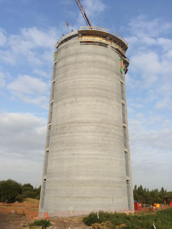 Een betonnen watertoren
