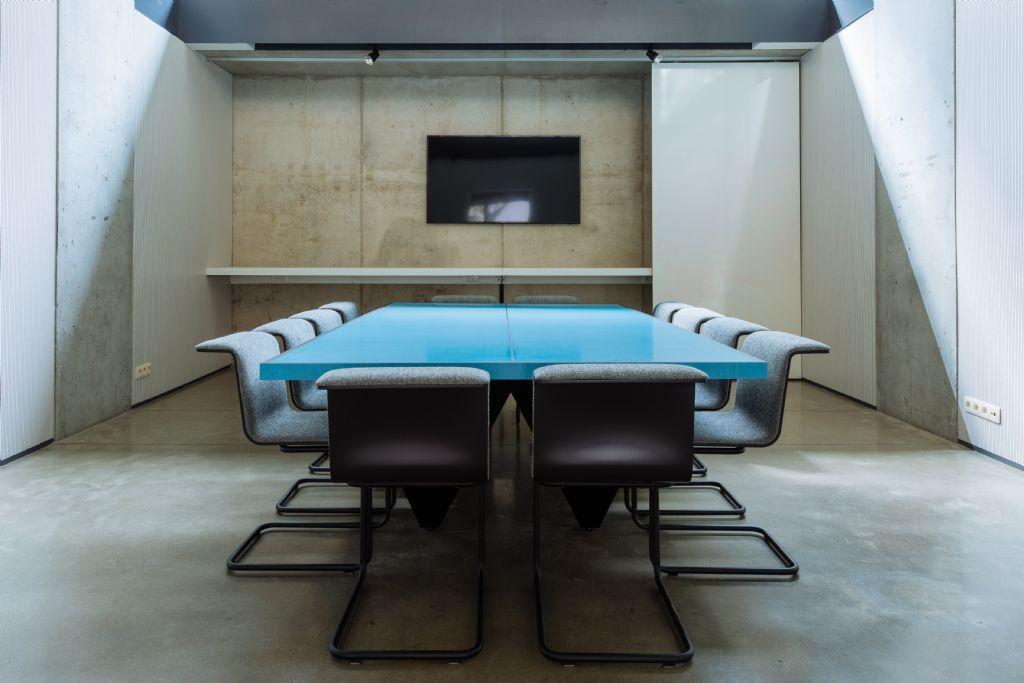 Deri3 ontwerpt design vergadertafels voor De Winkelhaak