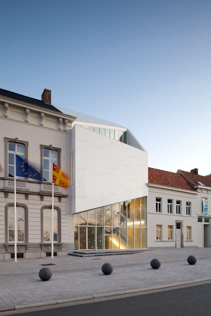 Stadhuis Harelbeke.