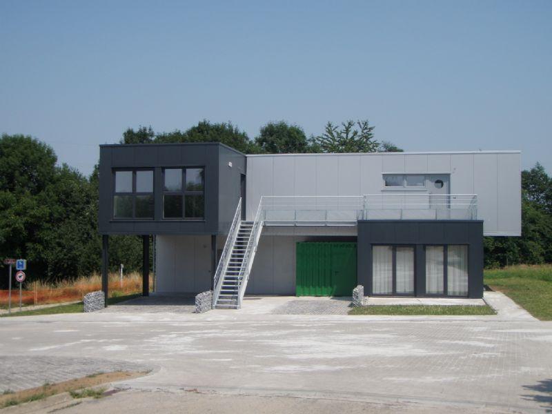 Première wallonne à Visé : 9 containers pour 4 logements sociaux (Okube)