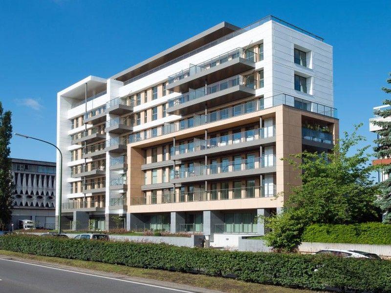 Le bâtiment W34 à Woluwé-Saint-Lambert, qui est une réaffectation de bureaux en logement, a été modélisé à partir de fichiers 2D et de relevés sur place.