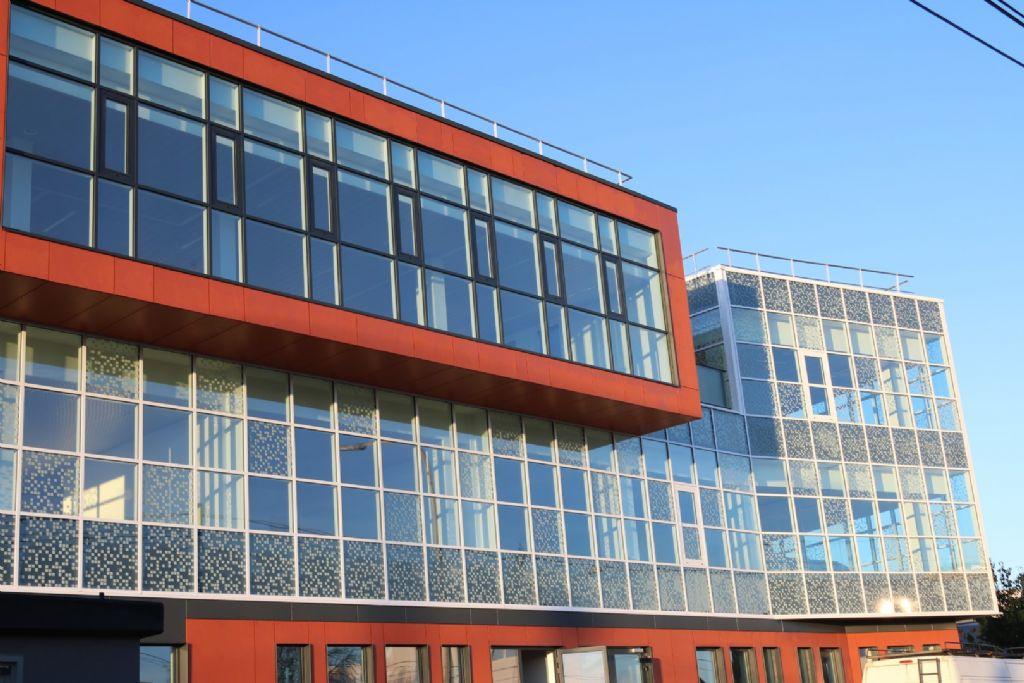 Pixel Park, un bâtiment à la façade vitrée unique en son genre