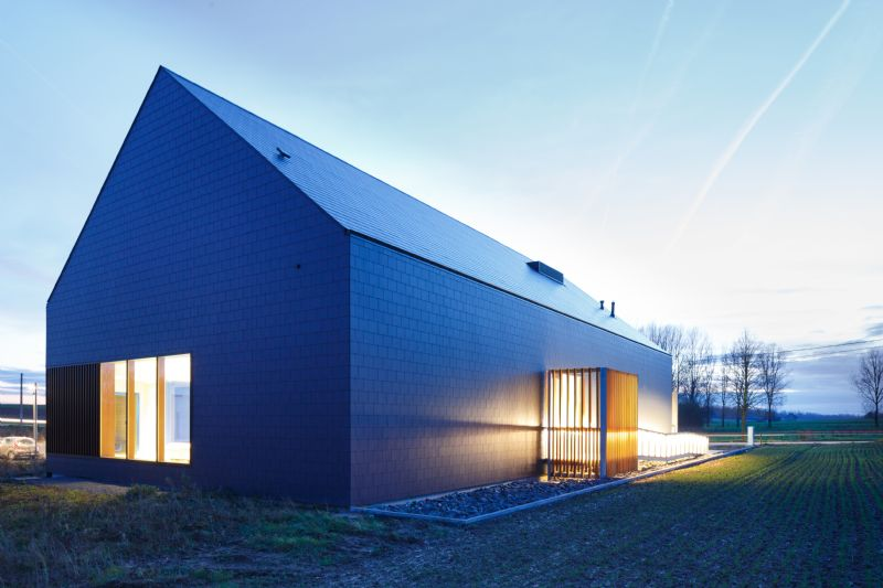 De sculpturale werking verleent het gebouw een passende signaalfunctie.