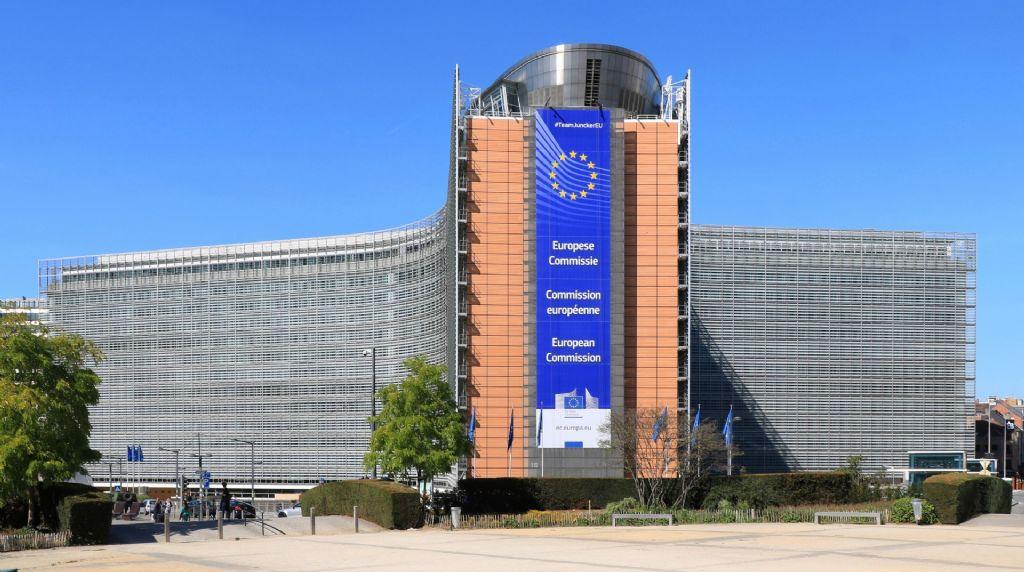 Archi-militant : La fausse bonne nouvelle de la Commission européenne en télétravail