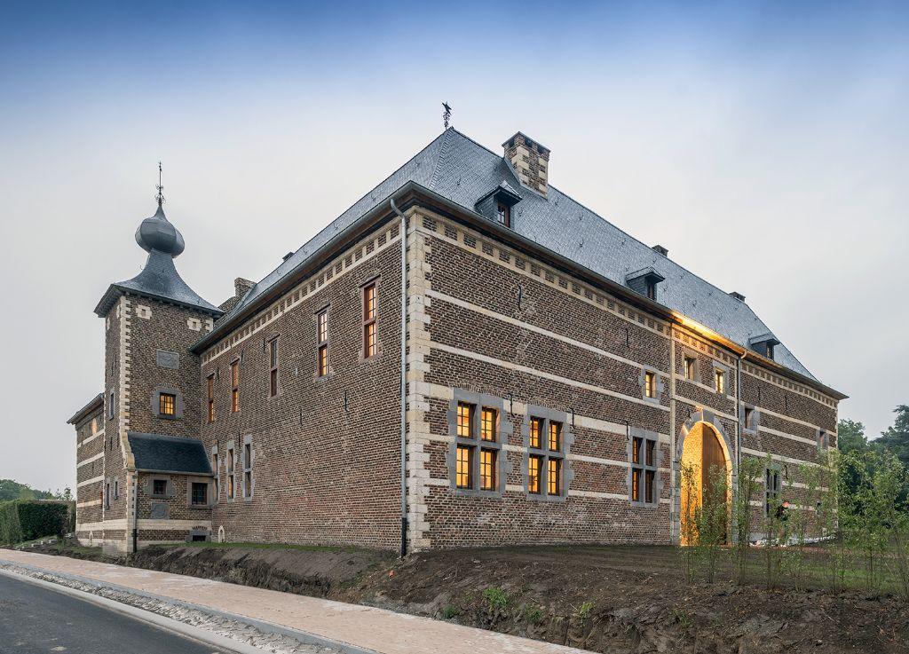 De rentmeesterij werd piekfijn gerestaureerd en geïntegreerd in het hotelconcept. (Foto: Marc Sourbron)