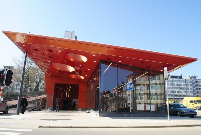 Nouveau look pour la station de métro Roi Baudouin (GS3 Architectes Associés)