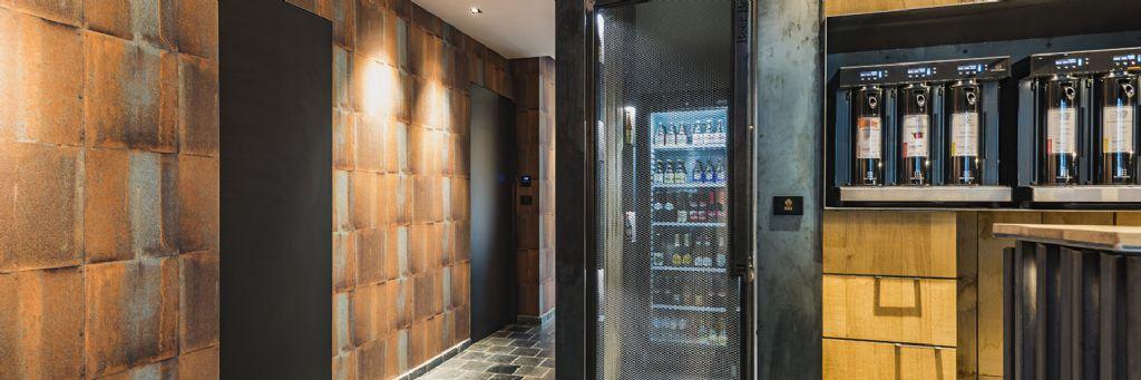 L'intégration parfaite de différentes types de bois et portes