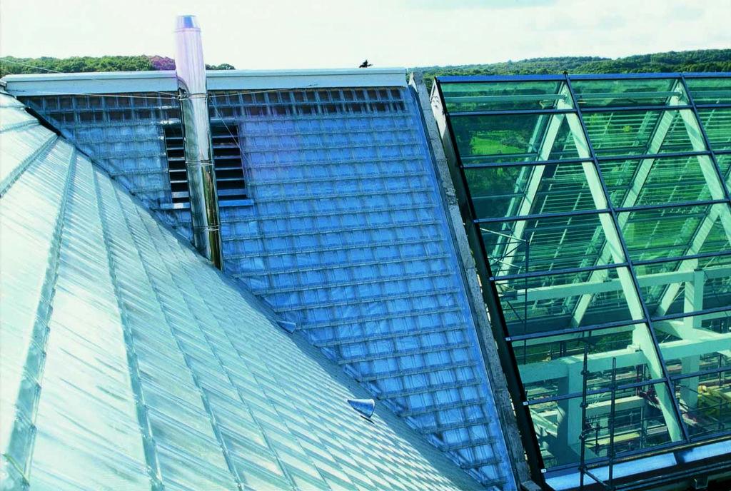 Nieuwe glazen dakpannen multi-inzetbaar en milieuvriendelijk