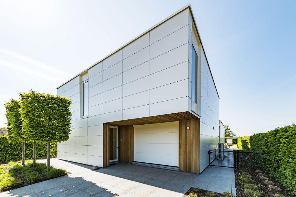 Een modern woonhuis met een frisse, strakke uitstraling
