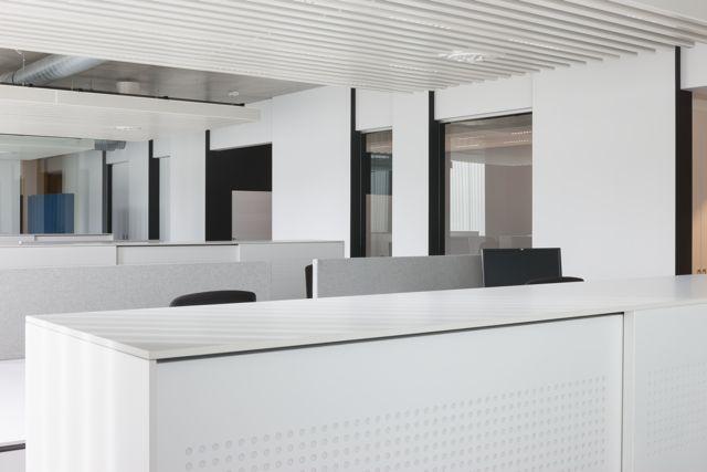 Gewikt en Gewogen: Baffle Ceiling van Hunter Douglas (Leen Meyvis & Luk Vorsselmans, L1 interieurarchitectuur & LV architecten)