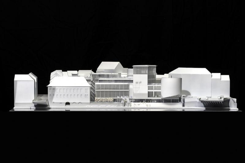 La superficie du bâtiment existant est augmentée de 30 %. Les 6000 m2 d'espaces disponibles accueilleront les fonctions socio-culturelles multiples, héritées au fil des ans par l'institution culturelle.
