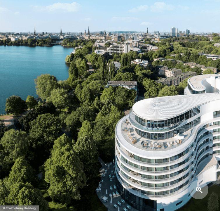 Automatische rookafvoer en natuurlijke ventilatie in Duits luxehotel