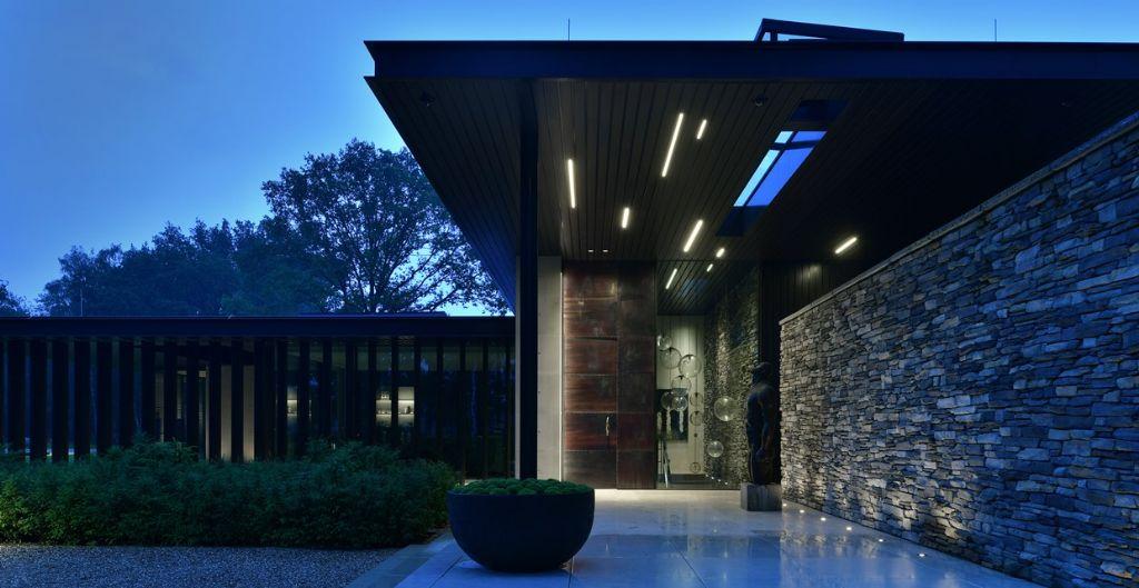 Tout comme à l'intérieur, l'éclairage extérieur peut servir ou desservir l'espace