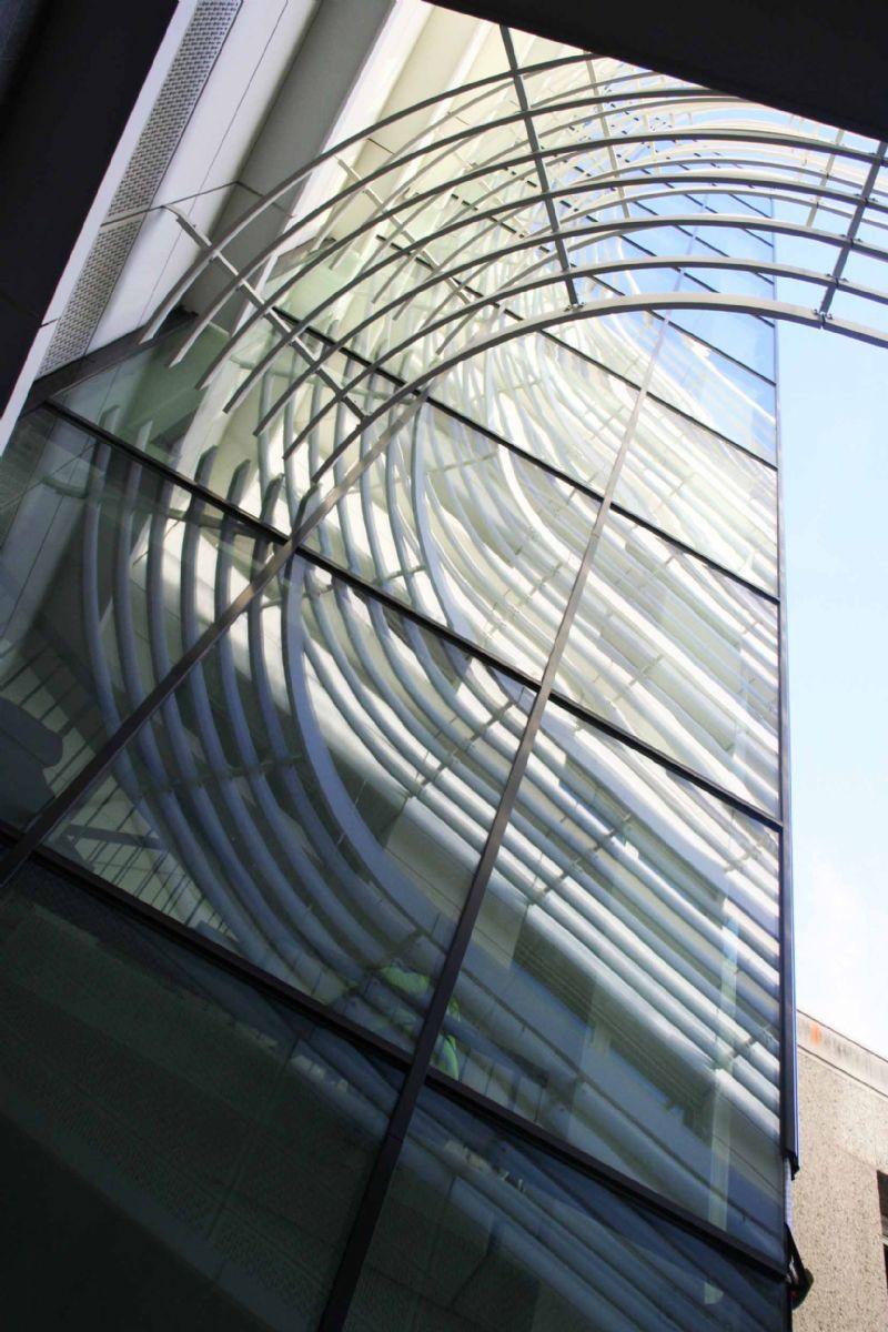 Het Jan Palfijnziekenhuis werd getransformeerd in een fris ogend gebouw met slanke, elegante lijnen.