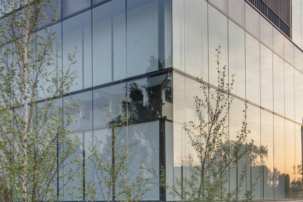 Guardian Glass Europe lanceert zonwerend glas met 'double silver coating', neutraal-grijze uitstraling en betere prestaties