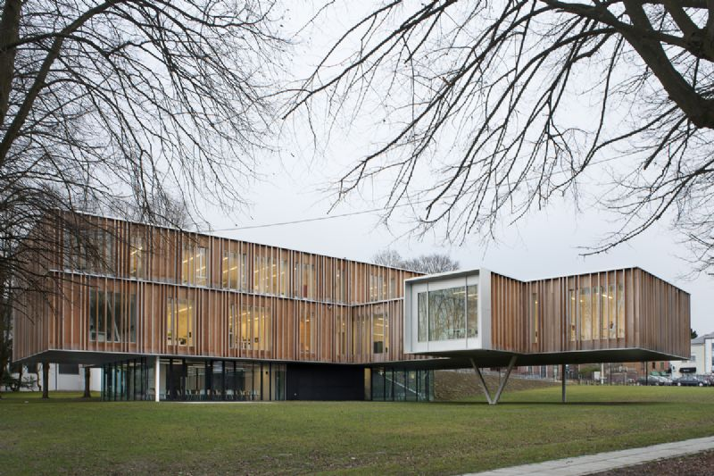 Niet-Residentiële gebouwen: Gemeentehuis van Montigny-le-Tilleul / Bureau d'architecture 'Vers plus de bien être'/V+, Molenbeek-St-Jean, Bureau BB bouwtechniek, Antwerpen, Bureau d'études Greisch