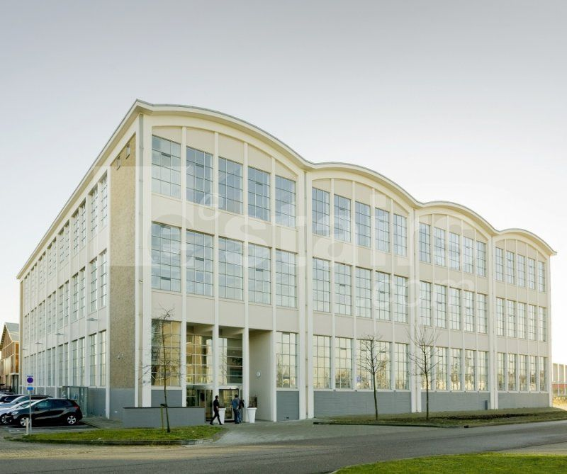 Eestairs draagt bij aan industrieel interieur Gusto MSC in Timmerfabriek