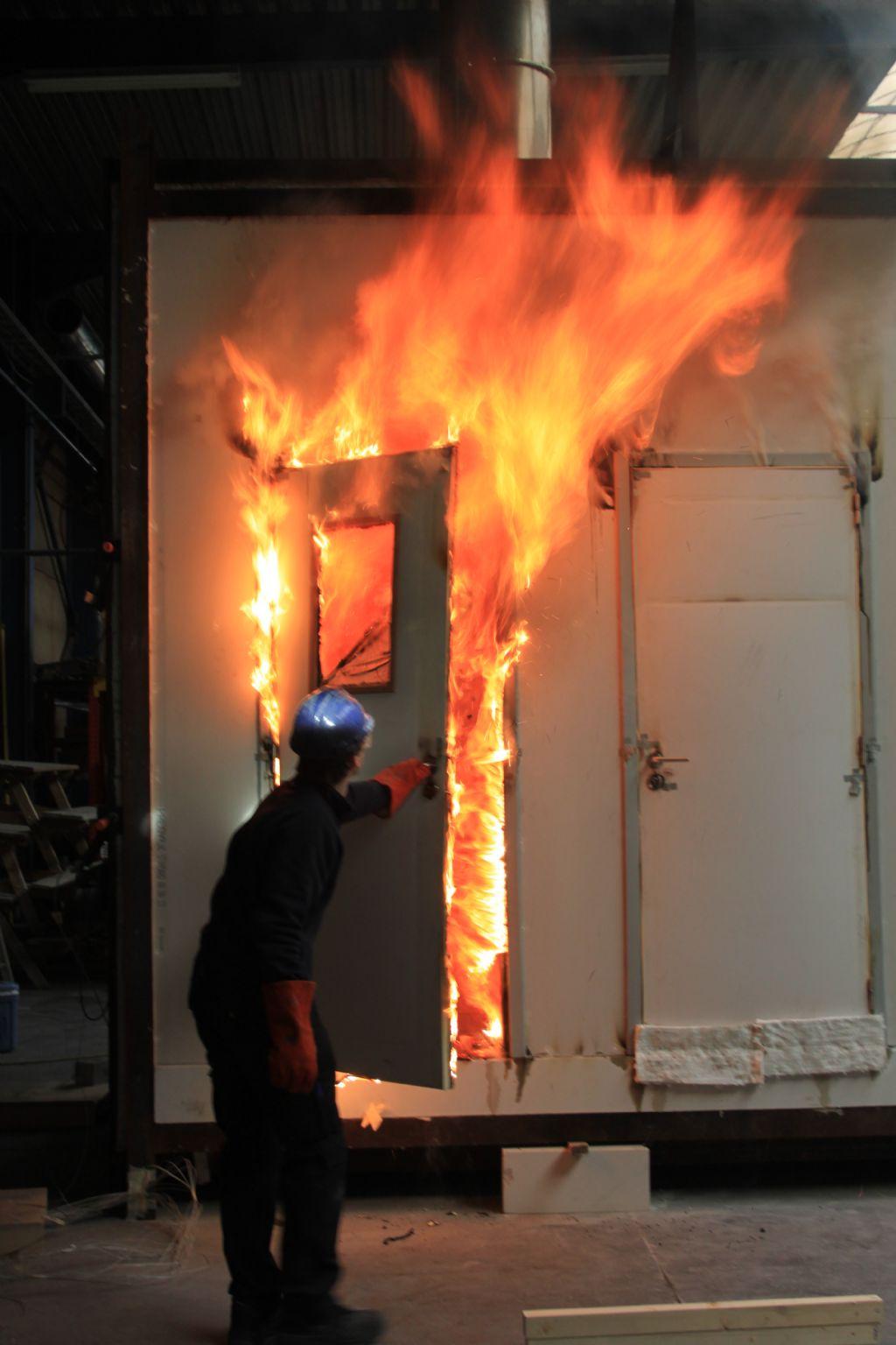 Eribel doet brandproef met eigen testoven