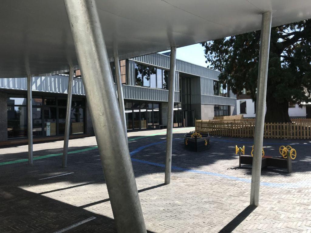 Une école fondamentale moderne et passive à Waterloo
