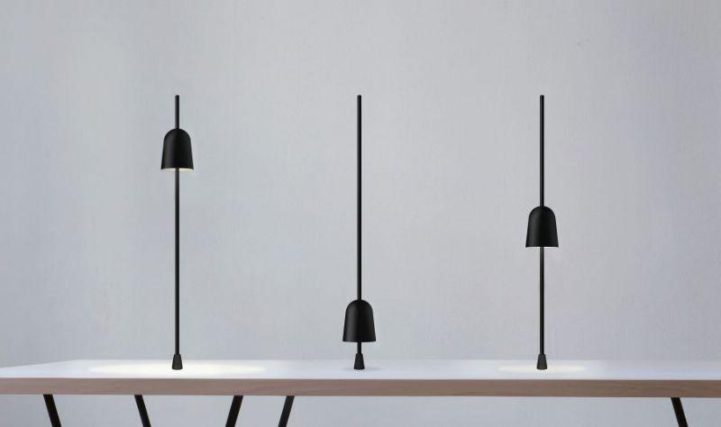 De verstelbare lamp werd bekroond met een Red Dot Design Award.