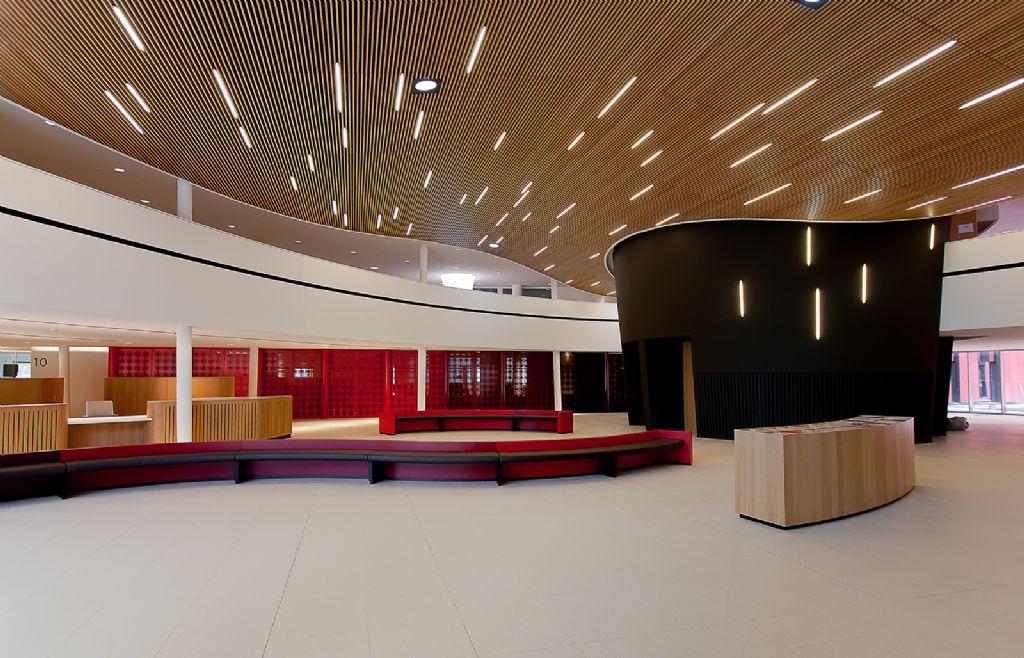 Een massief houten plafondsysteem met een brandstabiliteitseis van 30 minuten? Het kan!